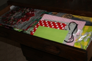 Top Drawer Wrap Station