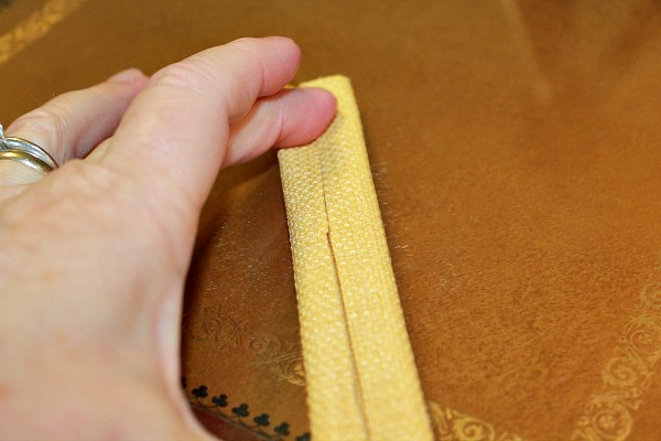 Folding Strips for Ties