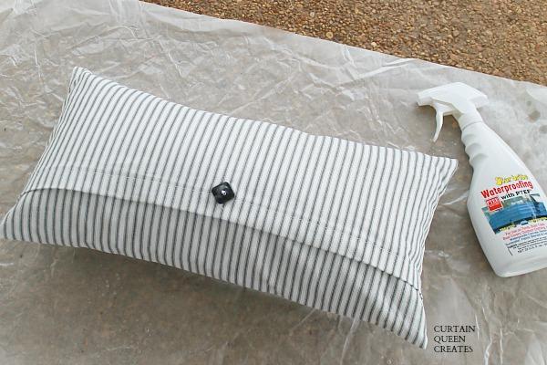2-Seam Porch Pillow DIY @ CurtainQueenCreates.com